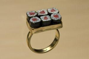 sposarsi-con-un-anello-sushi-1