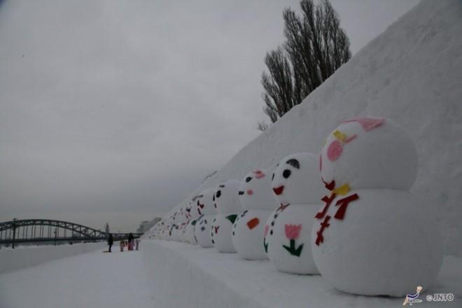 tanti-pupazzi-di-neve-ad-asashikawa-winter-festival