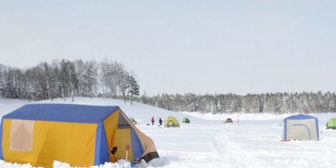 Il lago Shumarinai in inverno