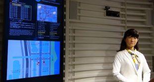 un-androide-interattivo-clienti-un-centro-commerciale
