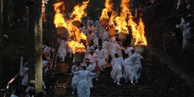 festival-del-fuoco-nachi