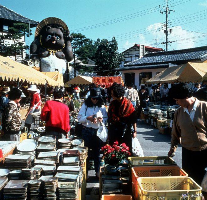 mercato-delle-ceramiche-mashiko