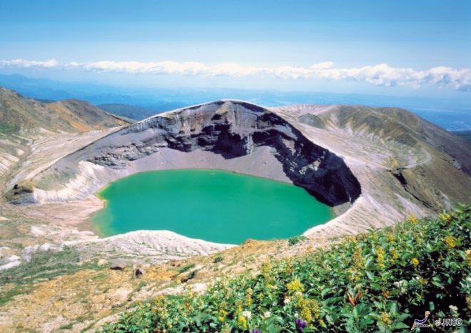 il-lago-vulcanico-del-monte-zao