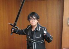 il-governatore-di-nagoya-si-presenta-in-cosplay