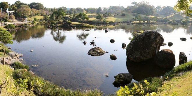 La bellezza del parco di Suizen-ji