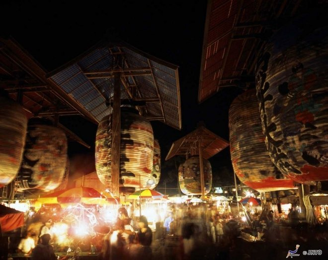 Le lanterne al Mikawa Isshiki Lantern Festival
